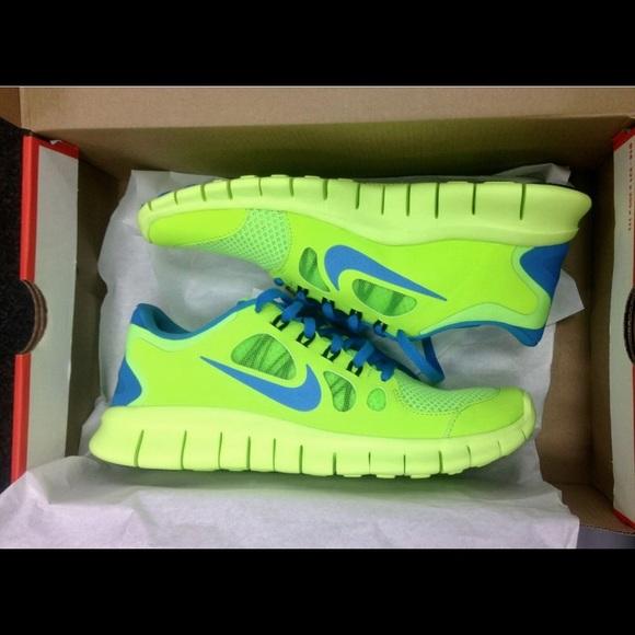 reputable site 76022 04314 NIKE Free Run Neon Green and Blue Sneakers